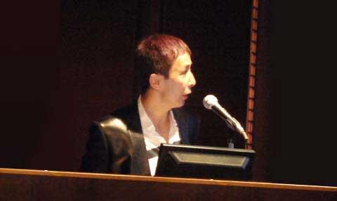 講演する福田先生