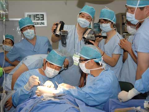 デモ手術B
