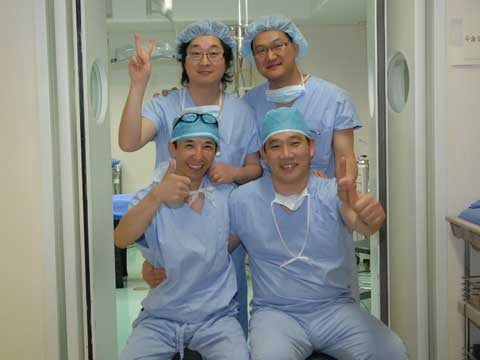 デモ手術D