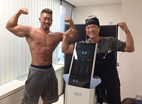フィジークのプロ選手 大橋源紀さんがエムスカルプトを体験